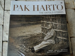 "PELUNCURAN PERDANA BUKU ""PAK HARTO THE UNTHOLD STORIES"""